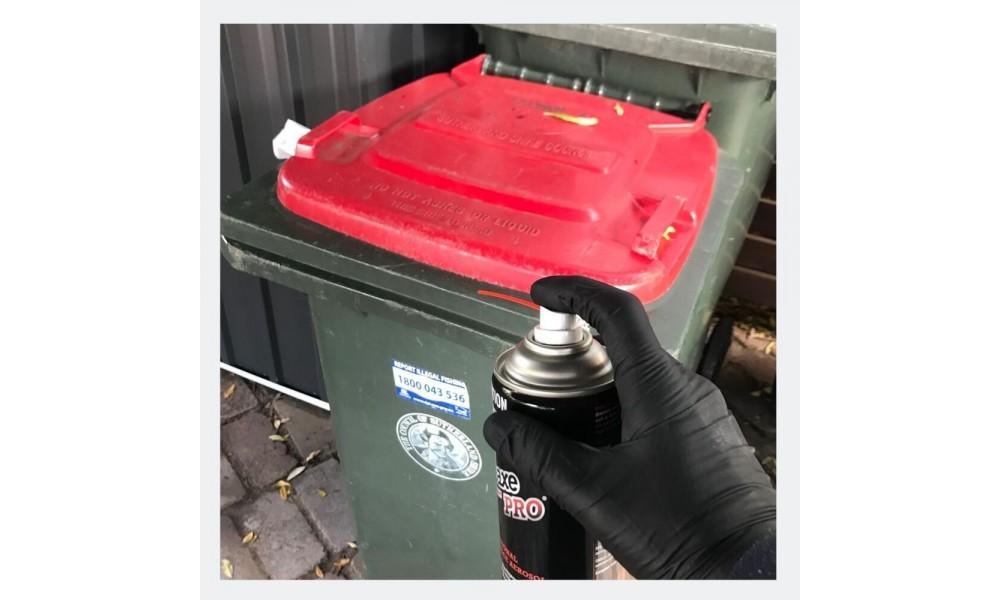 Battleaxe Pro Aerosol spraying rubbish bin for flies